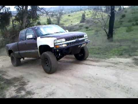 2005 Silverado 1500 >> Josh jumping his silverado pre-runner in Moorpark California - YouTube