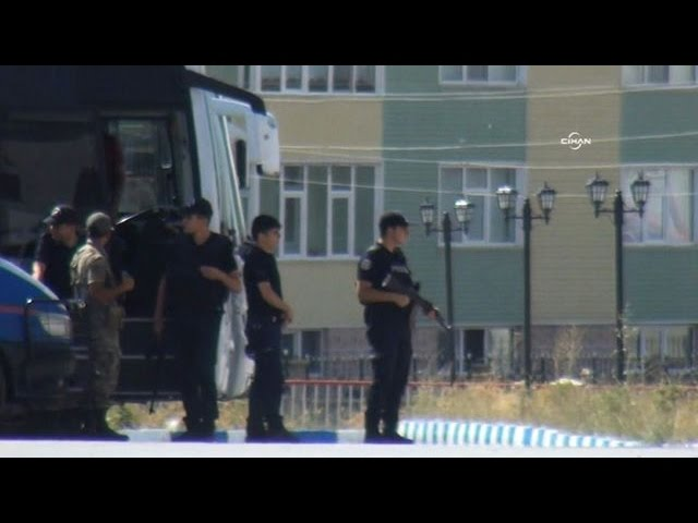 Two Turkish troops killed in 'PKK suicide attack'