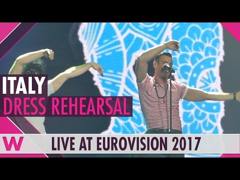 "Italy: Francesco Gabbani ""Occidentali's Karma"" grand final dress rehearsal @ Eurovision 2017"