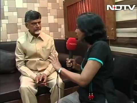 Hands-on in Vizag, Chandrababu Naidu is working out of a bus
