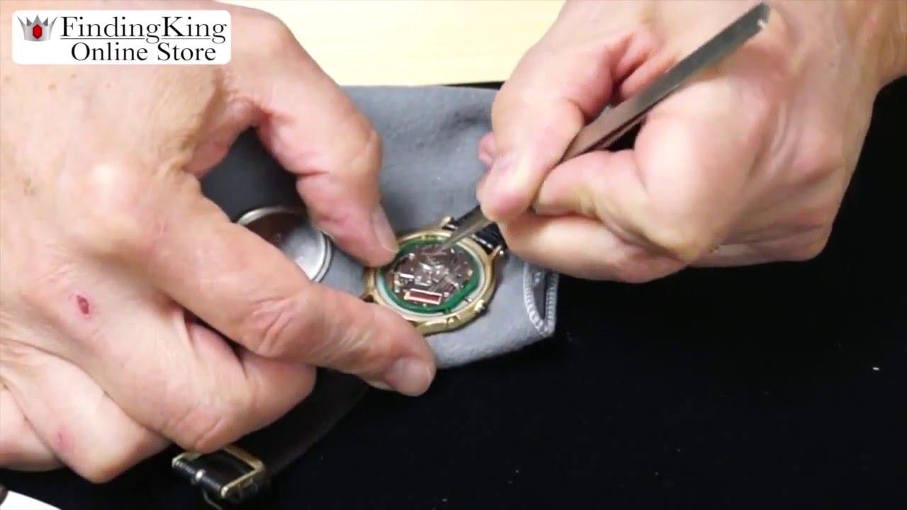 Watch Back Opener Snapback a Snapback Back on a Watch
