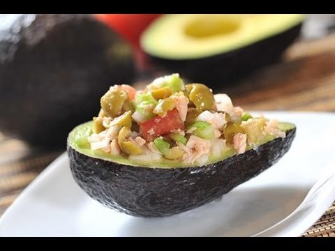 Aguacates rellenos de atún - Stuffed avocados - Recetas de cocina fáciles