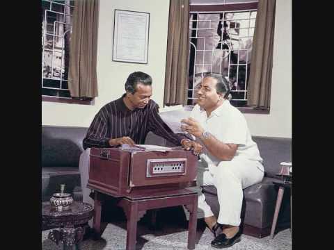 Mohabbat Ke Suhane Din sung by Nasir