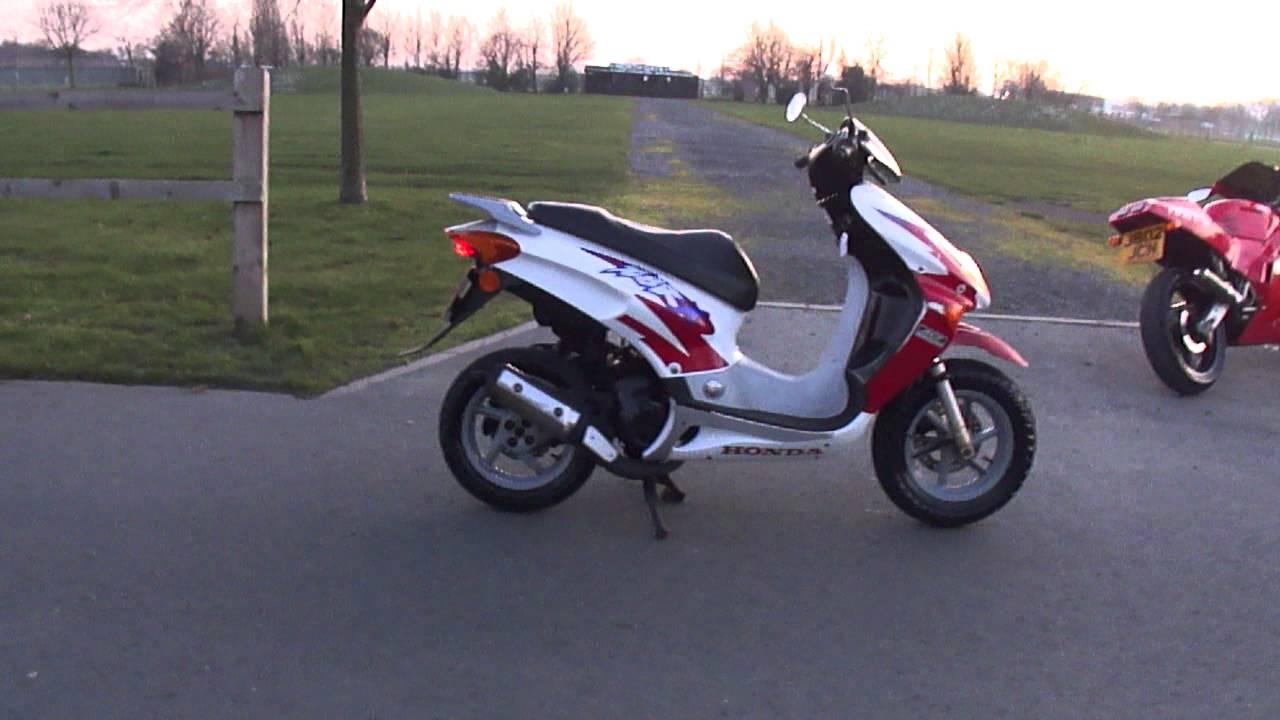 Vy   Yamaha