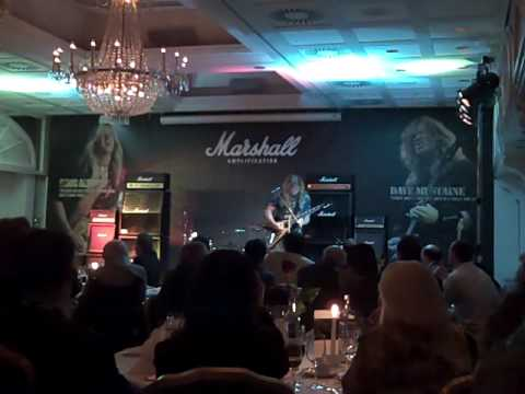 Dave Mustaine demos his new signature Marshall at Frankfurt