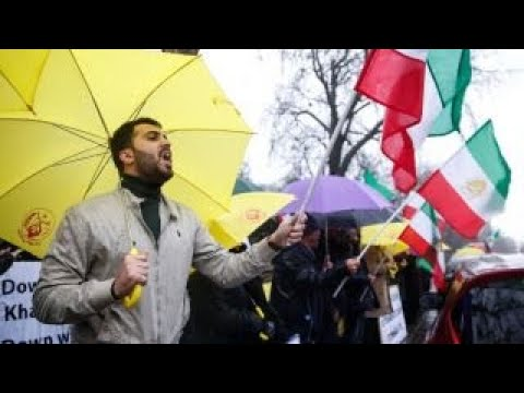 Iran protests: On-the-ground look at escalating violence