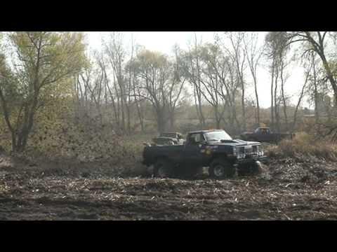 runnin mud trucks in 2 wheel