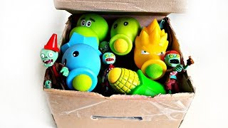 Plants vs Zombies Rubber Toys Pretend Play Garden Warfare!!!