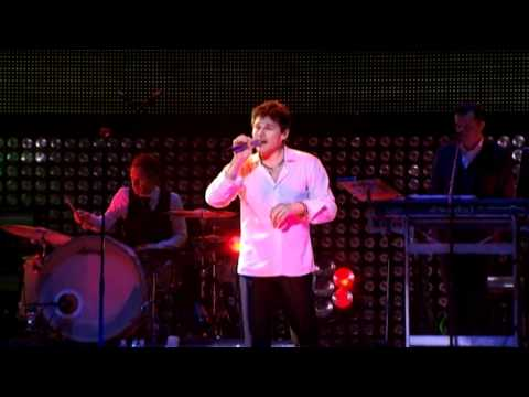 'Summer Moved On' Live at the Oslo Spektrum