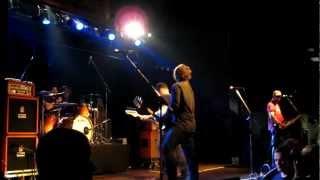 Watch Alkaline Trio Rooftops video