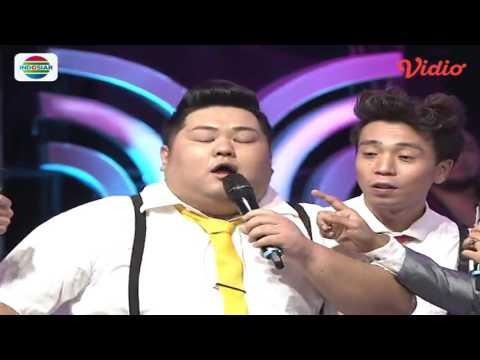 download lagu Begini Aksi Ivan Gunawan Saat Gulat Dengan Anggota The Three D'Academy 4 - Konser Nominasi gratis