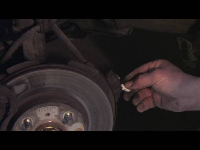 Auto Repair & Maintenance : How to Check Tie Rod Ends