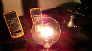 Variac Load Test using a 2000W Soviet Cinema Lamp