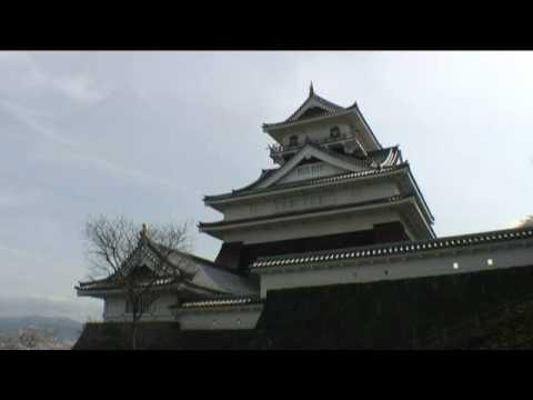 上山城(8) 天守と桜
