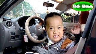 Bé Khám Phá Xe Ô tô Nissan Sunny ❤ Bé Ben