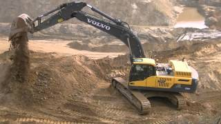Volvo EC380D L and Cat D6R