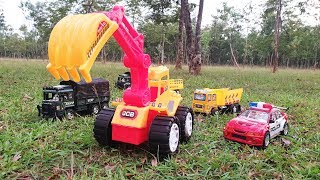 Hero JCB the Rescuer | Police Car and JCB are rescuing the Dinosaurs and the dump truck - HALA PLAY
