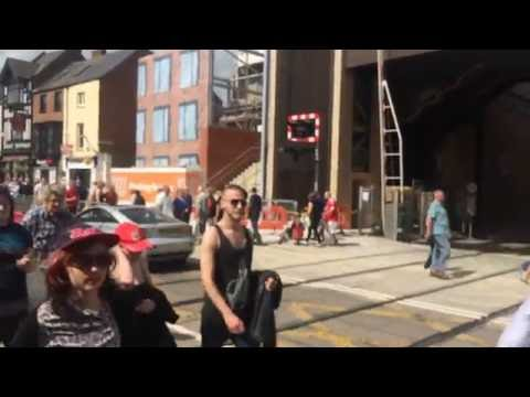 (720p) Lincoln Central Level Crossing (24/06/16)