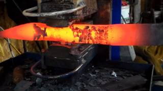 Custom Knives, Forging a Bowie with Nick Wheeler