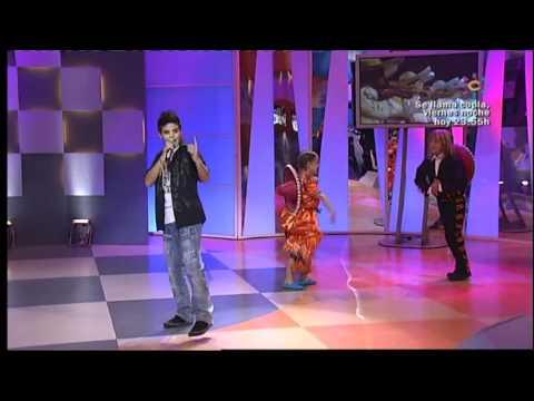 Abraham Mateo (12 años) canta a duo con Luis Miguel - LA BIKINA - Menuda Noche