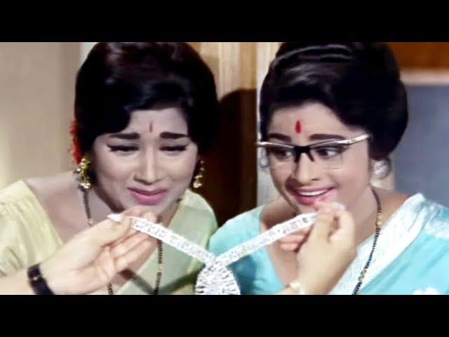 Prithviraj Kapoor, Rajendranath, Teen Bahuraniyan - Scene 5/22