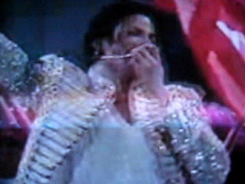 "Michael Jackson Says ""Saya Cinta Malaysia !!"""