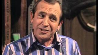 The Fall and Rise of Reginald Perrin - S02E04 - The Unusual Shop
