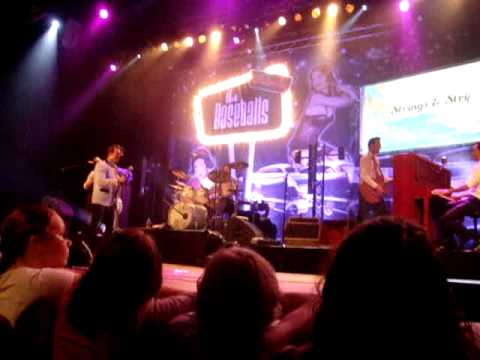 The Baseballs - Never Ever (Vredenburg, Utrecht, October 6th 2011)