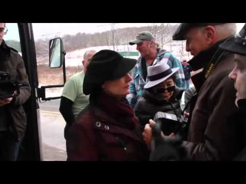Susan Sarandon Hides from Inconvenient Fracking Questions