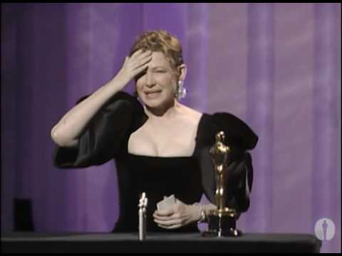 Dianne Wiest winning Best Supporting Actress for
