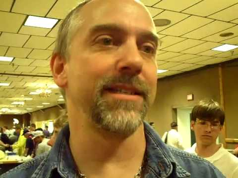 Floyd Virginia, Astronaut Richard Garriott W5KWQ talks with David Larsen KK4WW at Dayton Hamvention