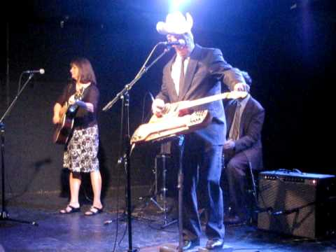 Junior Brown Cat's Cradle