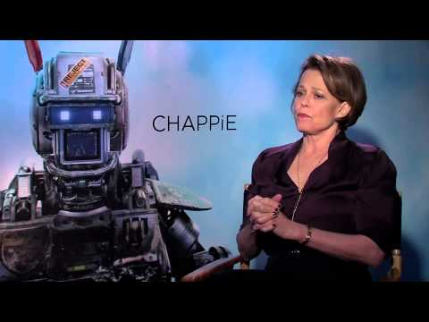 Sigourney Weaver took 'Chappie' because of new 'Alien' director Neill Blomkamp
