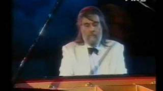 download lagu Chariots Of Fire - Vangelis Live In Athens - gratis