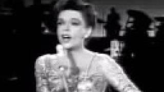 Watch Judy Garland Carolina In The Morning video