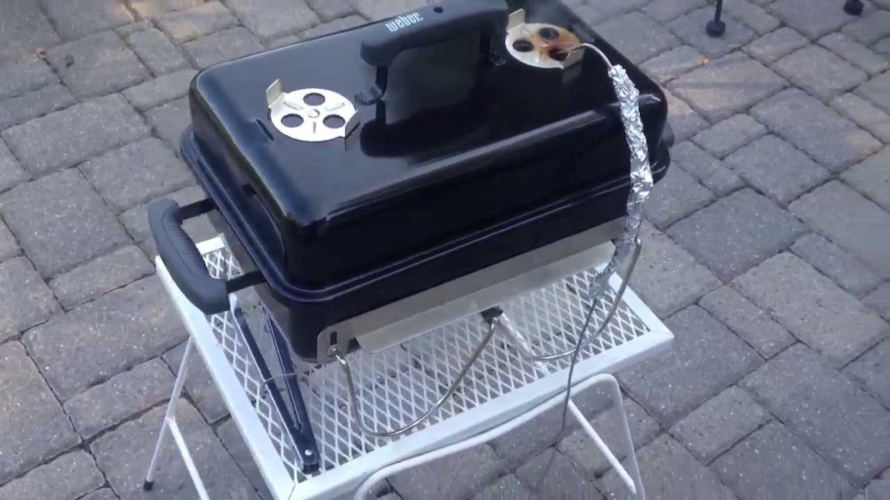 smoking on the weber go anywhere charcoal grill youtube. Black Bedroom Furniture Sets. Home Design Ideas