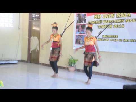 SMASK Bhaktyarsa Maumere - Tarian Tana Ai (Sikka) - RA'A RAGA DU'A TORU