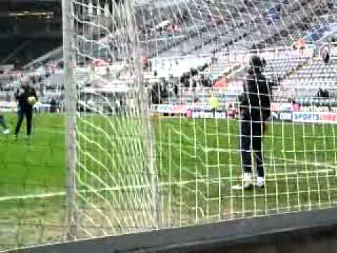 Manuel Almunia Hits himself with ball