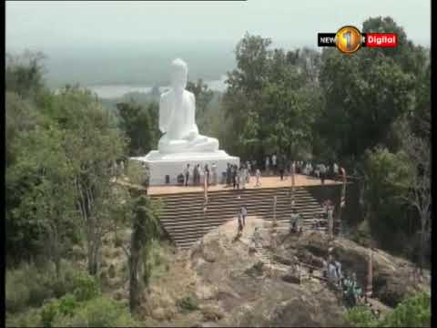 devotees arrive at m|eng