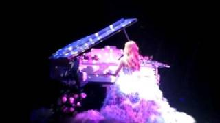 "[fancam] Jessica solo: Almost @ Girls""Generation tour in Hong Kong 少女時代香港演唱會"