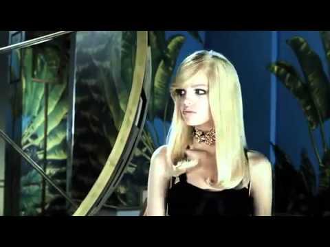 VERSACE | comercial da H&M da coleção de inverno THE VERY BEST OF VERSACE ...