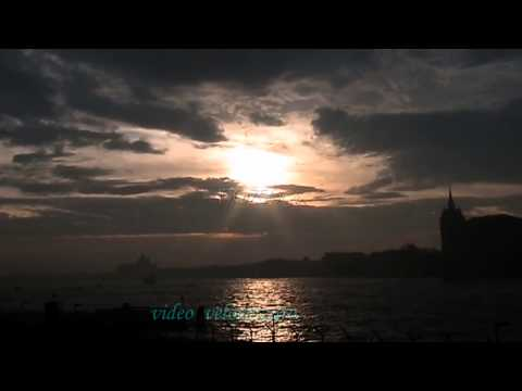 Venezia 27/11/2012 Alba Lucente con Ciclone Medusa alle porte