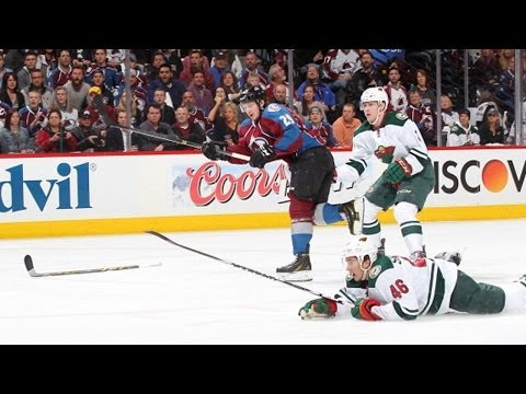 MacKinnon breaks defender's ankles to score