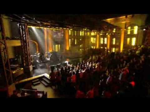 Slash - Back From Cali (feat. Myles Kennedy) (Live @ Lopez Tonight)