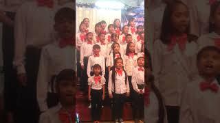 Ban hát thiếu niên, thiếu nhi tôn vinh Chúa lễ truyền giảng năm 2018.