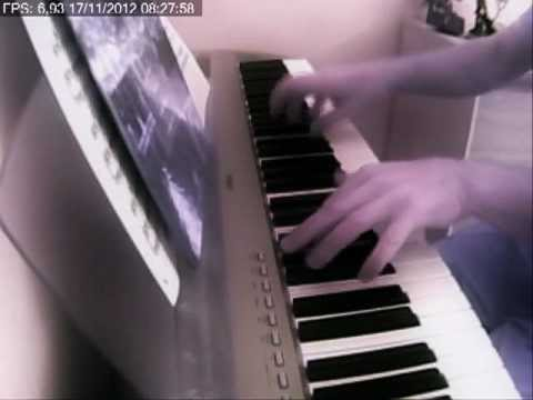 Christina Aguilera - Hurt au  piano yamaha P95S