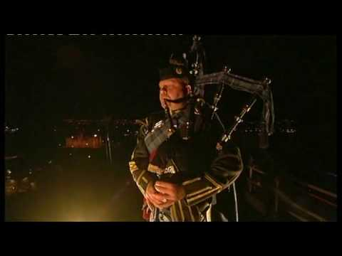 Lone Piper - Edinburgh Military Tattoo 2009
