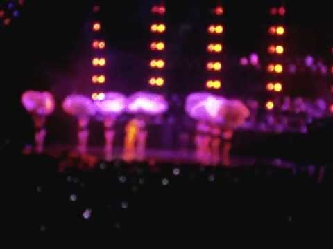 Beyonce - Naughty Girl / Party (Stockholm, Sweden, Ericsson Globe 30/05/2013)