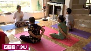 Lớp học yoga miễn phí của cô giáo tiểu học | VTC9
