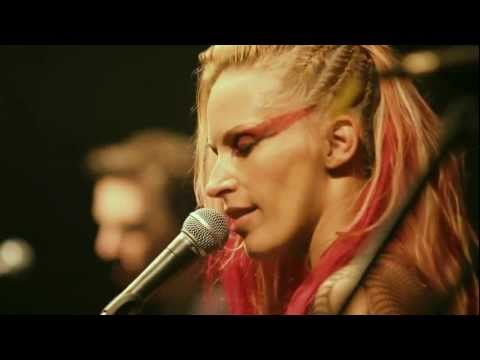 Anna And The Barbies - Piece Of My Heart - Live @ ZP [18] [HD]